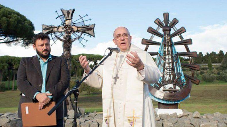 Llega a Neuquén una virgen bendecida por el Papa Francisco