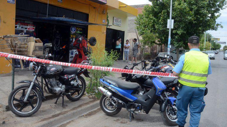 El hecho se registró en un taller mecánico de calle San Martín al 2000.