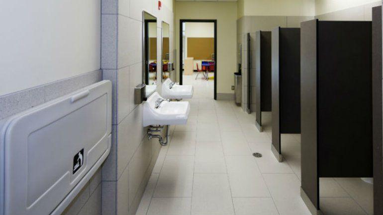 El Municipio le exigirá a los bancos que instalen baños públicos
