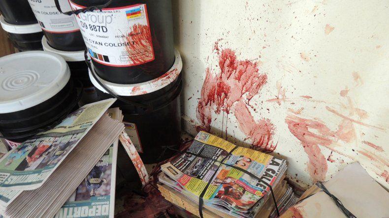 Seis delincuentes coparon las instalaciones y torturaron al vigilador.