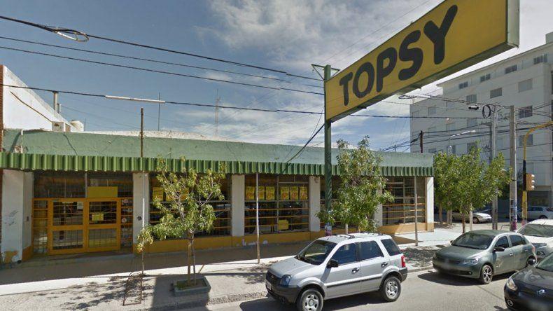 Otro golpe a un cobrador: lo maniataron a la salida de Topsy y le sacaron 35 mil pesos