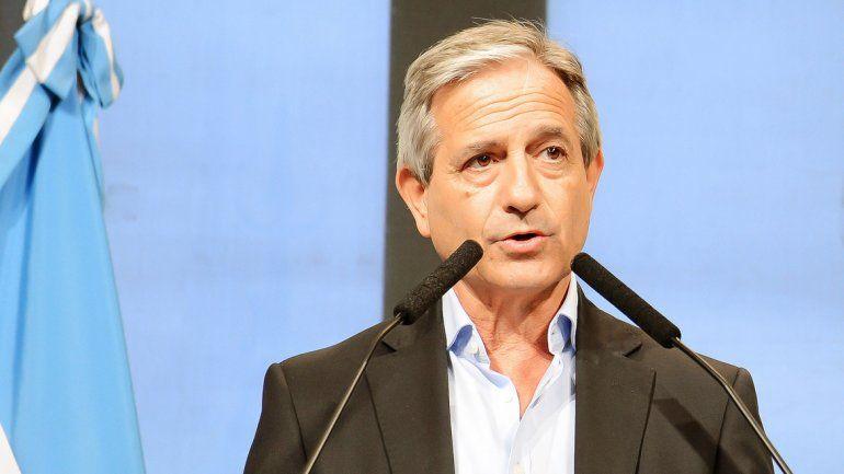 El ministro Andrés Ibarra.