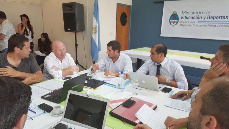 Luis Sánchez participó de la reunión con Mac Allister.