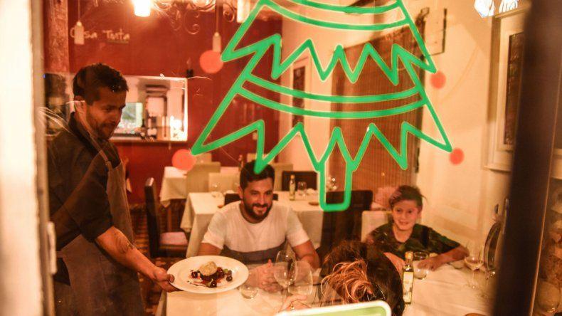 Los restaurantes de la ciudad ofrecen servicios variados para las fiestas. En Navidad mucha gente eligió esta opción para no tener que cocinar.
