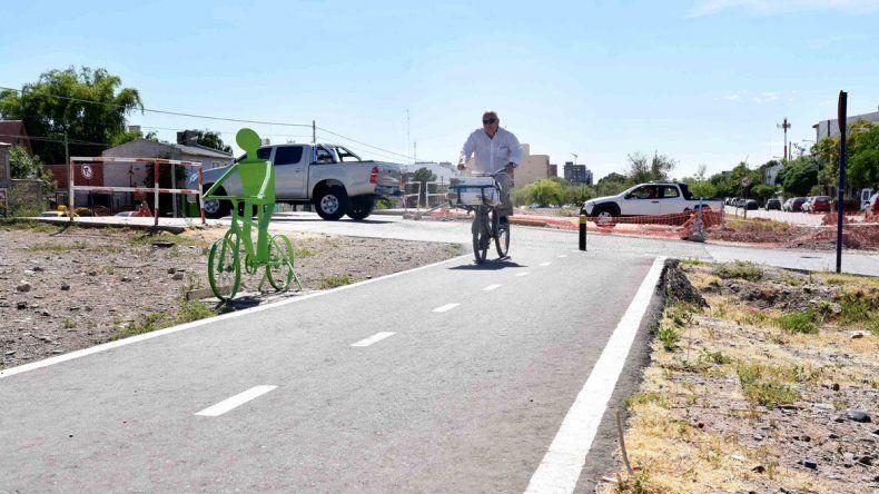 Desde el Municipio alientan a que los vecinos cambien el auto por la bicicleta para trasladarse por la ciudad.