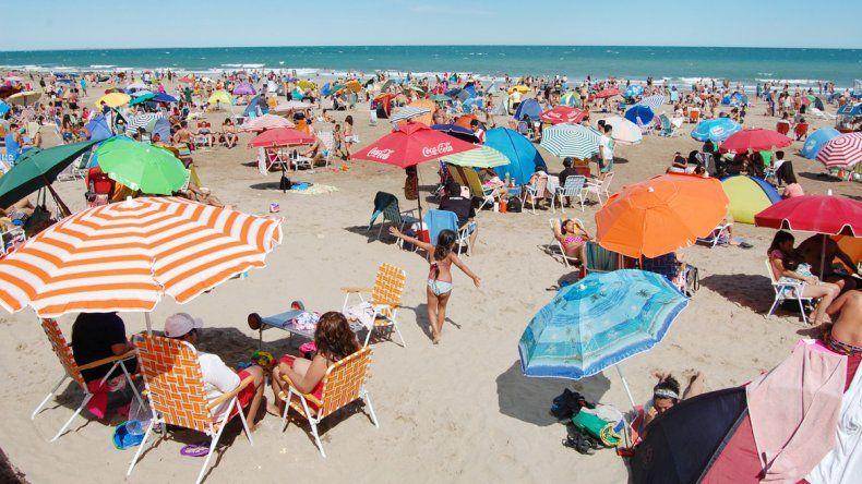 Ayer la playa se mostró casi completa de veraneantes