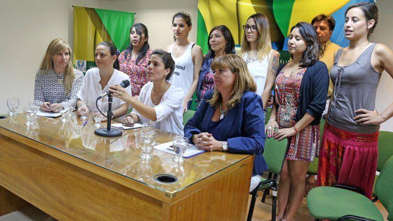 Conferencia de las despedidas del 0-800 Mujer.