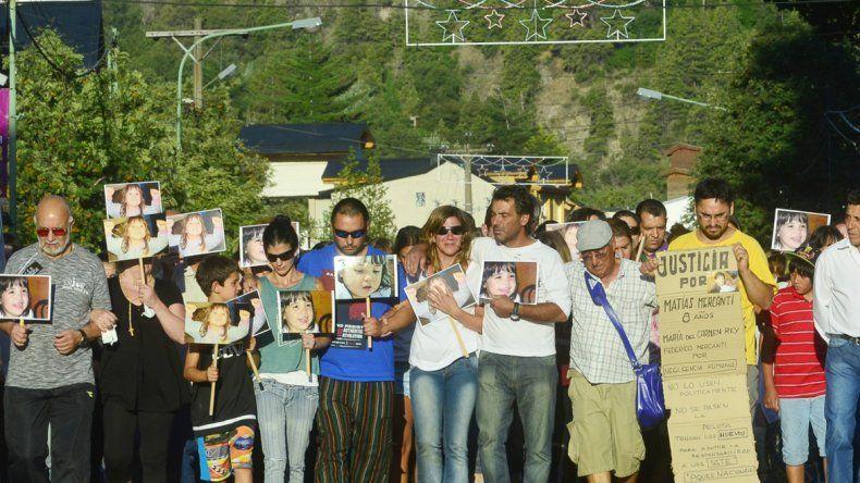 Hubo una masiva marcha en reclamo de justicia por la muerte de los nenes.