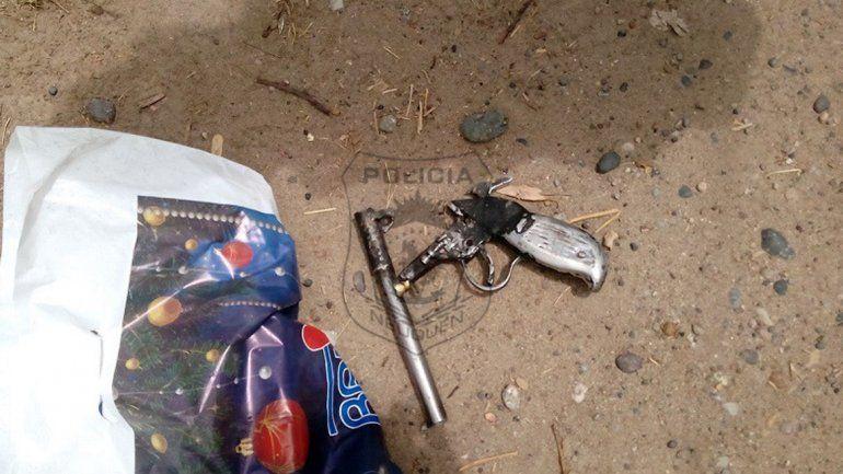 Plottier: atraparon a un motochorro que robaba armado con una tumbera