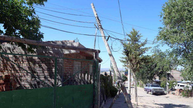El poste está en la esquina de Novella y Tricao Malal.
