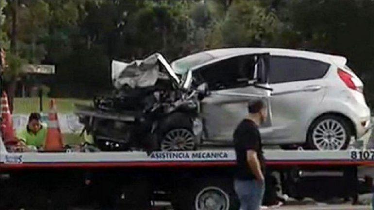 Así quedó el Ford Fiesta que conducía a contramano por la autopista.