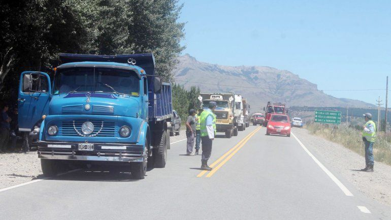 Los camioneros cortaron la Ruta 40 y el ingreso al aeropuerto Chapelco.