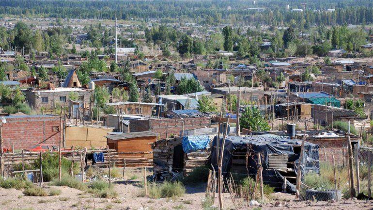 Vecinos de Centenario están sin agua desde hace ocho días