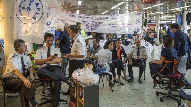 La aerolínea Sol reincorporará a los 220 trabajadores despedidos