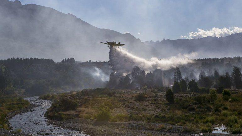 El incendio en Los Alerces ya afectó a 1.200 hectáreas