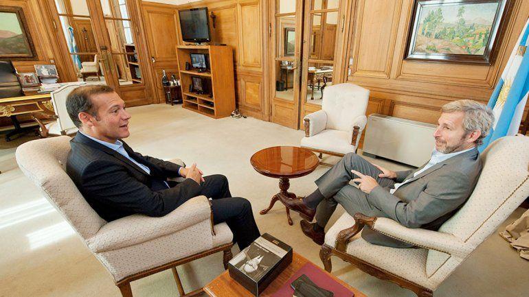 El gobernador Omar Gutiérrez y el ministro del Interior de la Nación