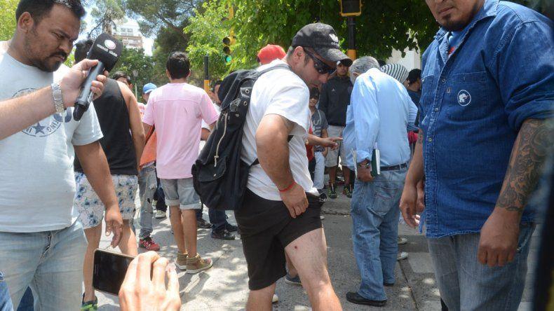 Enfrentamientos en pleno centro entre miembros de la Uocra y desocupados