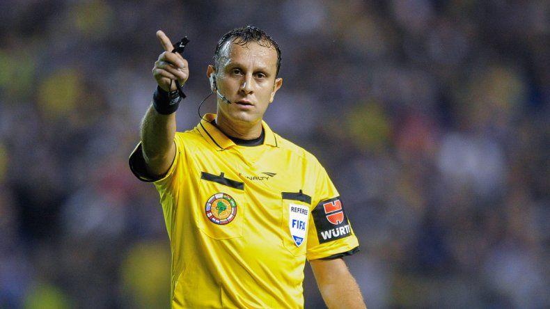 Herrera debutó como árbitro internacional en el Boca-River del escándalo.