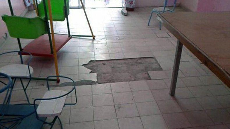El piso en mal estado en unade las guarderías CCI.