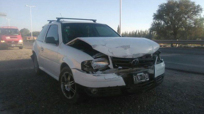 El VW Gol que venía hacia Neuquén se llevó la peor parte.