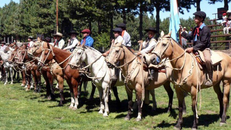 Gutiérrez prometió apoyo para las fiestas provinciales