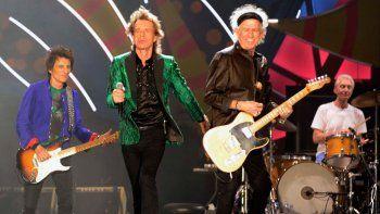 La banda liderada por Jagger dio el primero de sus tres conciertos, a estadio lleno.