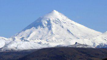 Brigadistas rescataron a dos andinistas en el Lanín