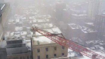 Así fue la caída de una grúa gigantesca en Nueva York