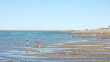 La ría provoca arroyos ideales para refrescarse, nadar, remar o pescar.