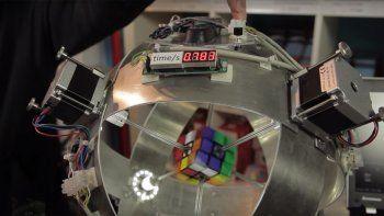 Una compu resolvió el cubo Rubik en tiempo récord