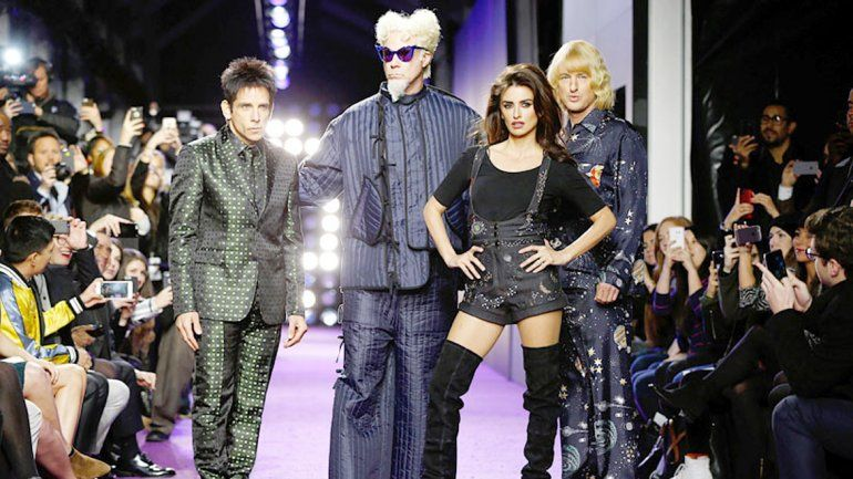 El elenco del film desfiló con las top models Gigi Hadid y Kendall Jenner en la avant premiere