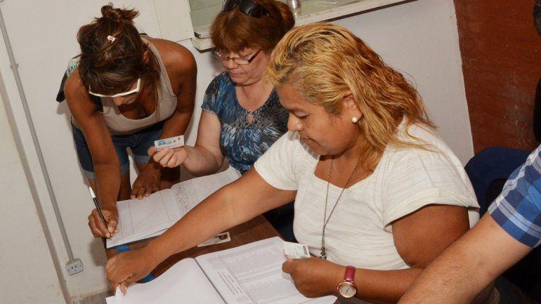 Desde diciembre los vecinos juntan firmas contra la ordenanza que establece la emergencia económica del municipio.