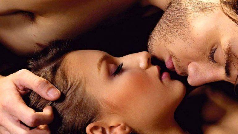 Los besos son esenciales en las relaciones amorosas