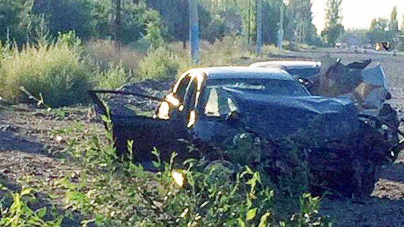 El Chevrolet Astra quedó irreconocible tras el impacto contra el Corolla.