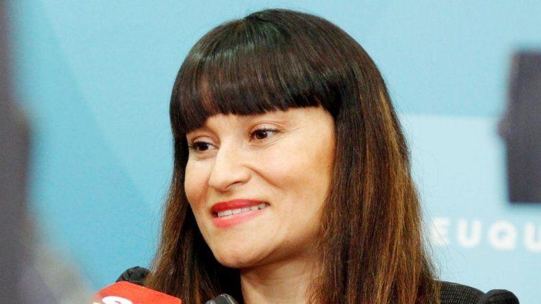 Yenny Fonfach mandó a estudiar a los concejales de la oposición.