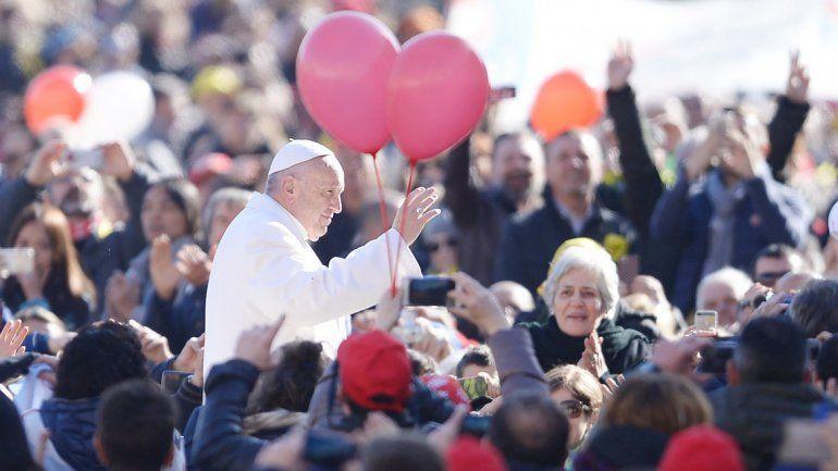 El sumo pontífice advirtió que comprometerse es aceptar una responsabilidad con alguien