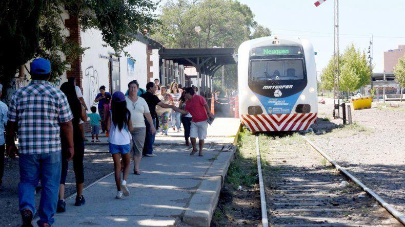 La mayoría de los neuquinos y cipoleños que se trasladan en tren lo hacen para estudiar o trabajar.