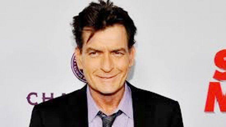 El actor de Hollywood anunció por TV que era portador del virus.