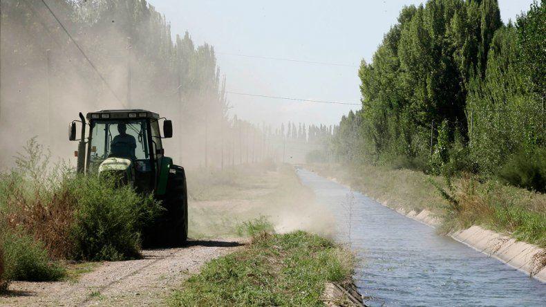 El consorcio administra más de 60 kilómetros de canales de riego en toda la zona.