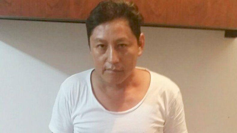El ministro del Interior de Ecuador publicó en su cuenta de Twitter las fotos de los detenidos.