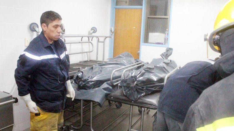 Los cuerpos de las víctimas fueron trasladados a la morgue de San Martín.