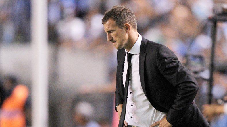 La imagen más frecuente del Vasco en los últimos partidos: hacia el piso.