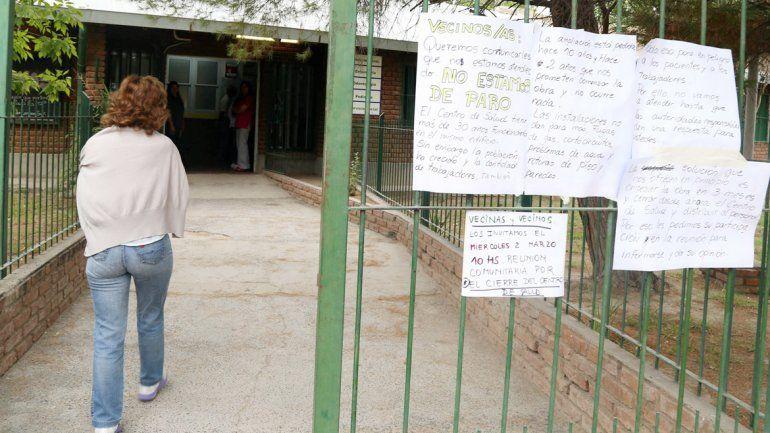 Vecinos se reunieron con autoridades sanitarias para buscar una alternativa. Hace dos días el centro está cerrado.