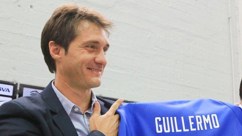 El Mellizo fue presentado como entrenador ayer