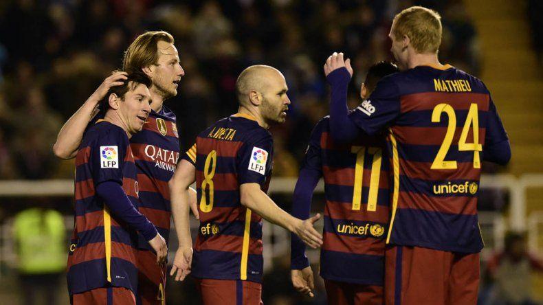 Messi metió tres de los cinco goles del Barcelona.