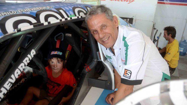 Pechi Quiroga comparte con su nieto Laureano el fanatismo por Echevarría.