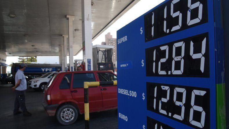 Nuevo golpe al bolsillo: desde hoy el precio de las naftas aumentó un 6 por ciento