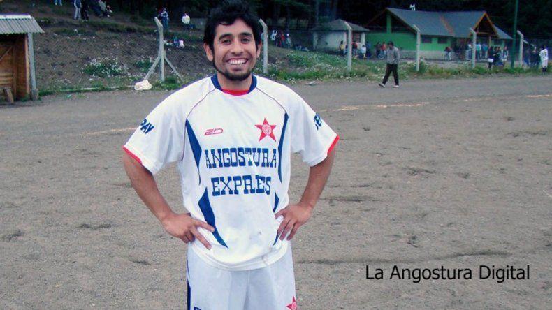 Néstor Fili Alvarado murió a las 6:20 en el hospital local. Sectores sociales y deportivos repudiaron el crimen.