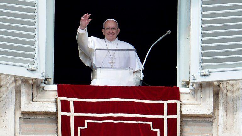 El papa critica el cierre de fronteras en Europa: Abramos corazones y puertas