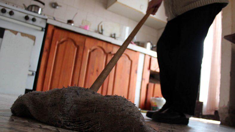 Empleadas domésticas pedirán un 40% de aumento salarial